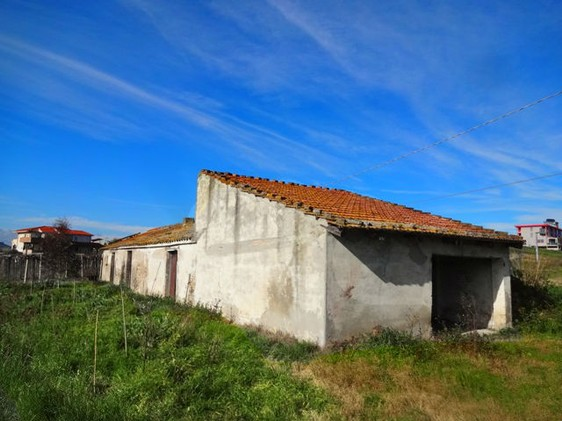 70sqm cottage , barn and 2000sqm of land 500 meters from the beach 3