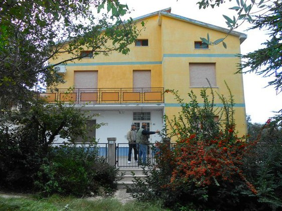 200sqm, detached house with garden and barn and fantastic views 2