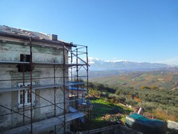 House with barn and 9000sqm of land. Sea and mountain view