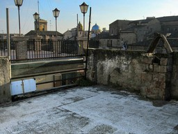 4 bed, vaulted ceilings, in the old part of the city of Lanciano with terraces and fantastic views 1
