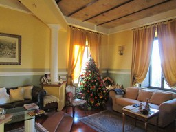 Nicely finished, 2 bedroom apartment with spectacular mountain views in the center of Lanciano.