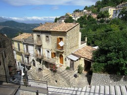 Recently renovated stone town house with 2 sun terraces and the most amazing mountain views2