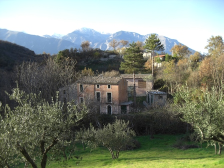 SOLD Mountain, stone farm, character full building, 4 buildings, 800 meters to the town.