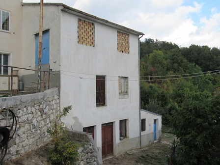 200sqm structure 10km to Roccaraso ski resort, with 200sqm of garden and 2 bedrooms