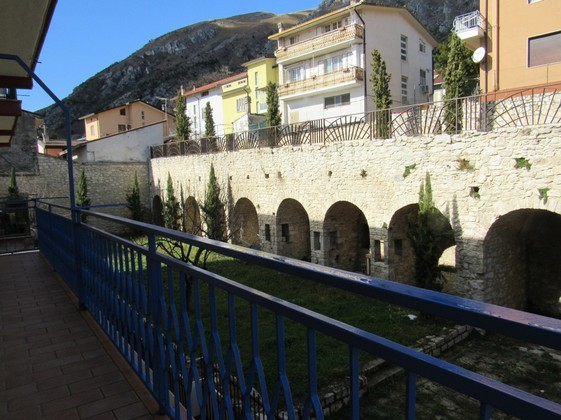Apartment with 2 double bedrooms, garages, ample balconies and some views 20km to the skiing resorts.